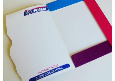 cartelletta-con-tasca-e-fustella-sagomata-grafservice